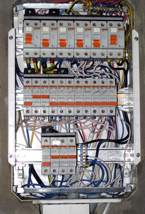 Как сделать автомат электрический